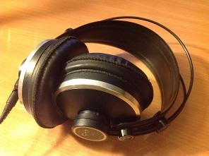 Studio headphones for monitoring voiceover